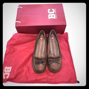 Brown loafer with 1.5 inch heel, size 6